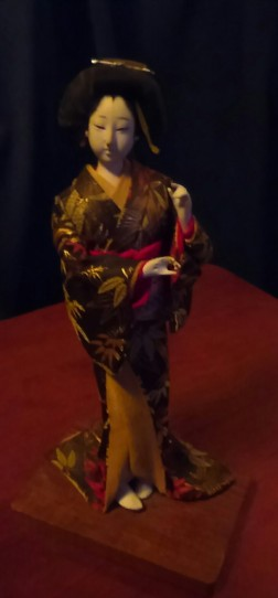 KIMG1788 (2)Japanese doll